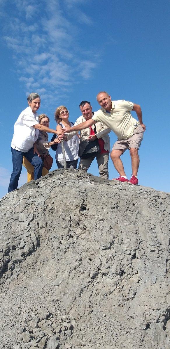 Азербайджан Гобустан кални вулкани