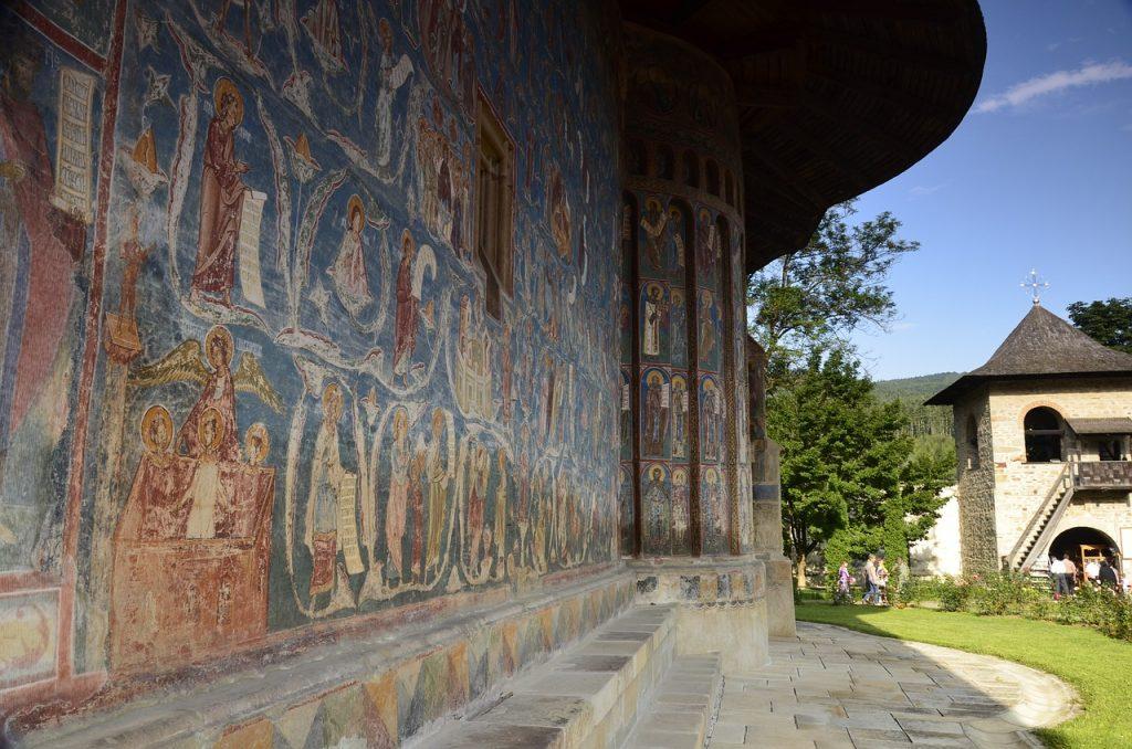 voronet-monastery-818929_1280